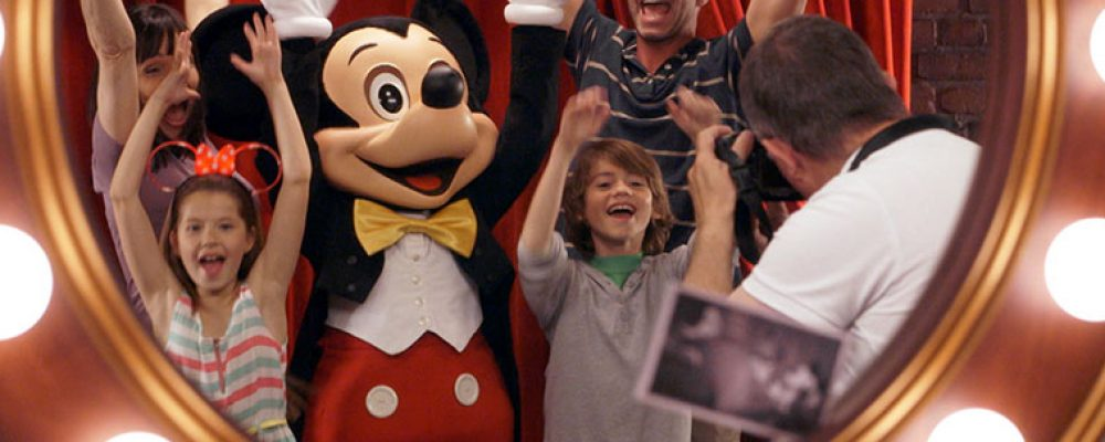 Extras Meet Mickey Mouse
